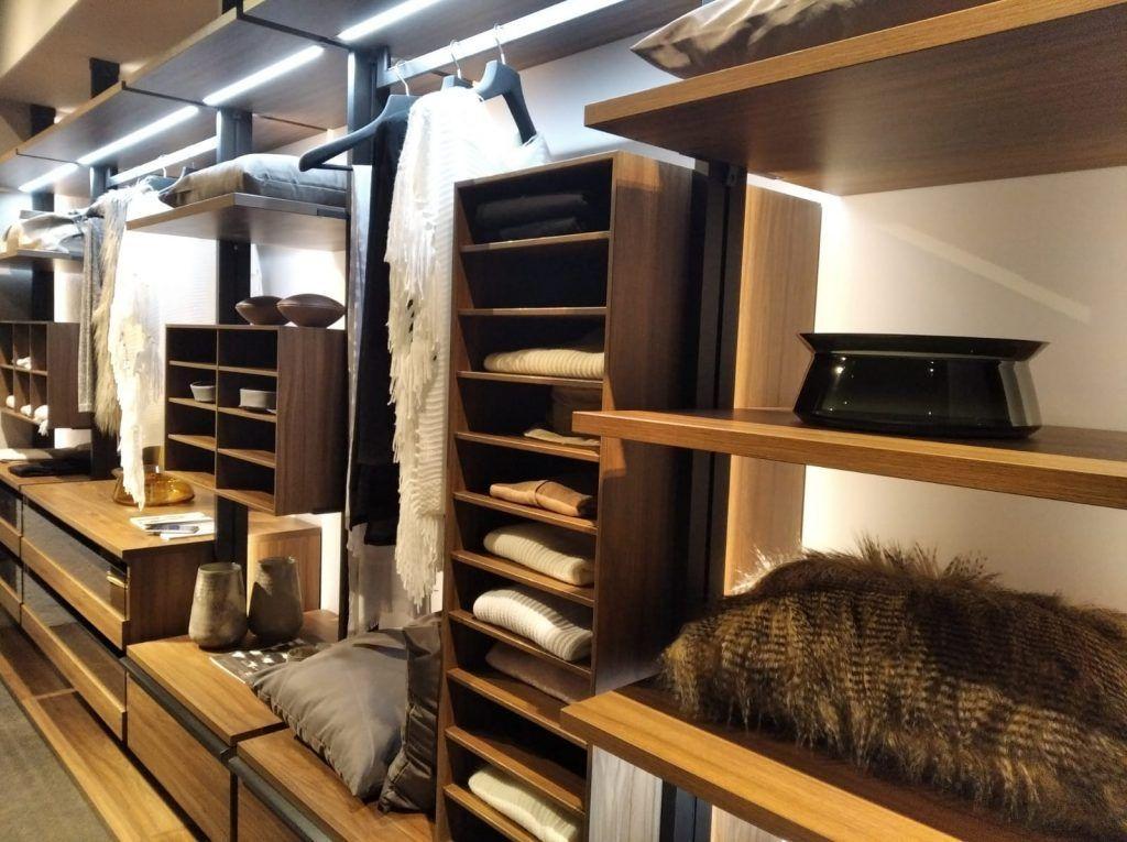 vestidor-moderno-madera-kuchenhouse-1024x765